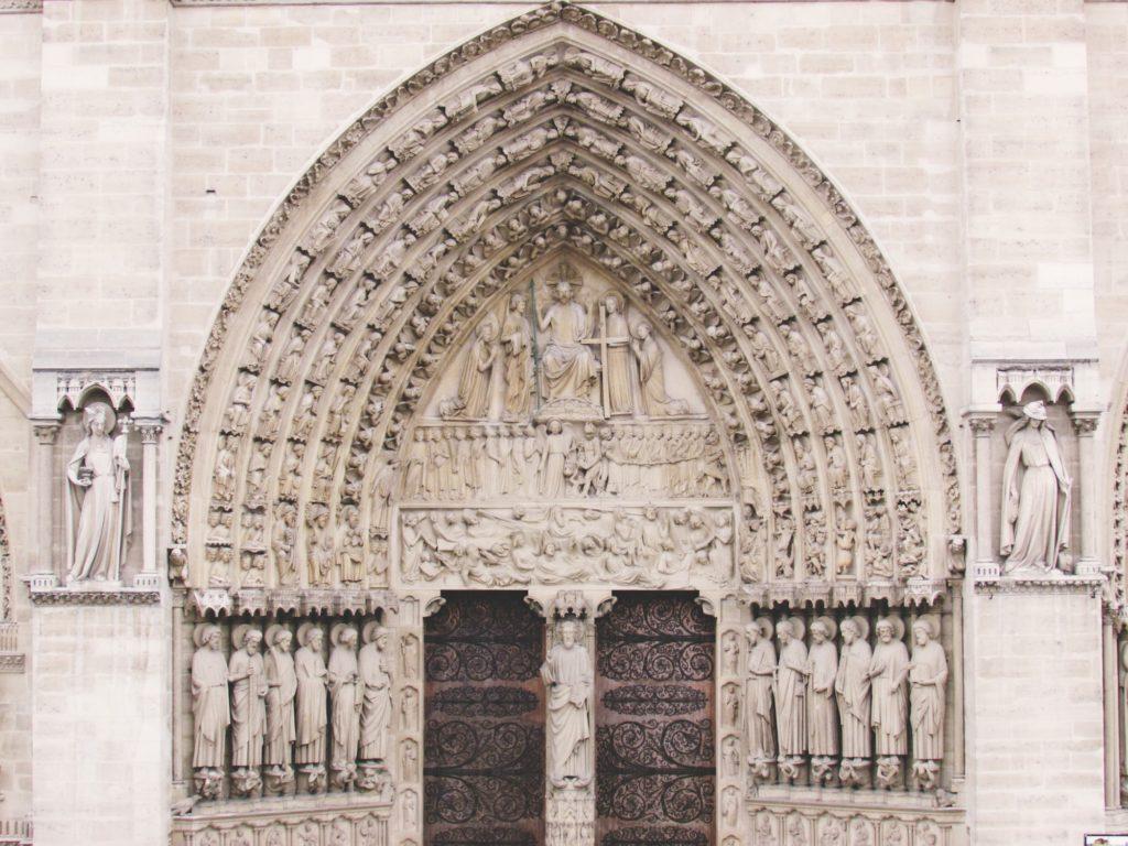 Портал собора Нотр-Дам.