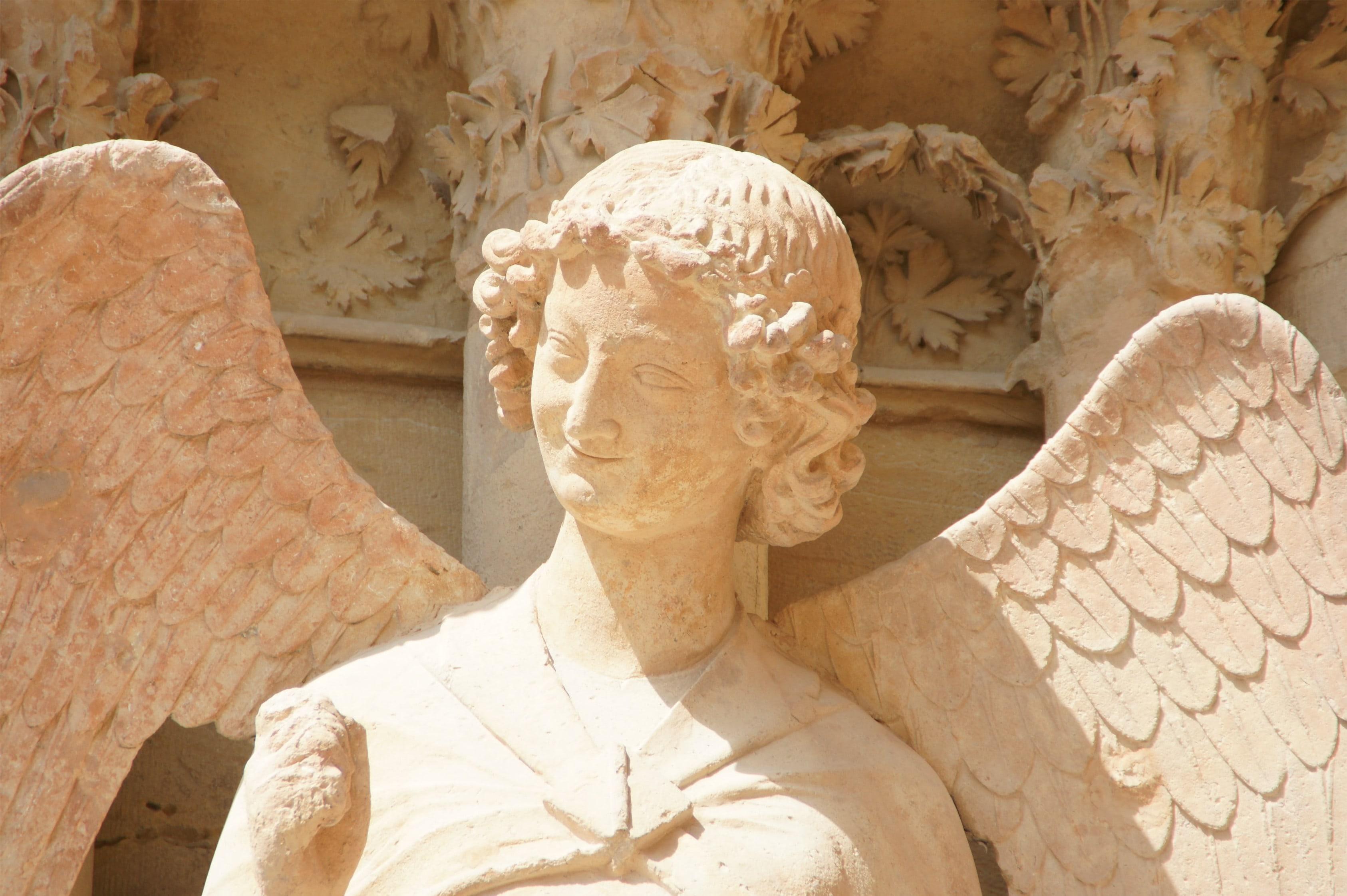 Улыбающийся ангел. Реймский собор.