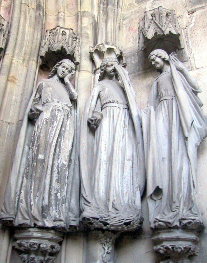 Три неразумные девы. Магдебургский собор.
